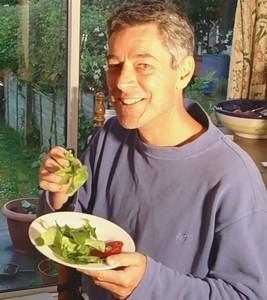 mr-green-eats-a-high-raw-diet