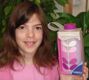 little-miss-green-reusable-water-bottle