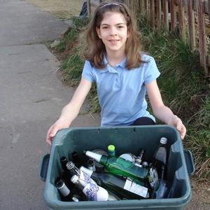 little-miss-green-recycles-glass-kerbside