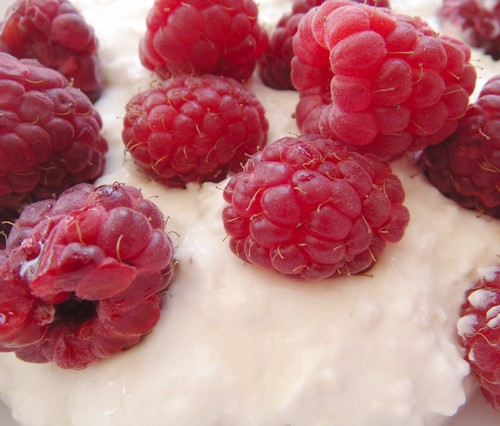 raspberries-yogurt-oats