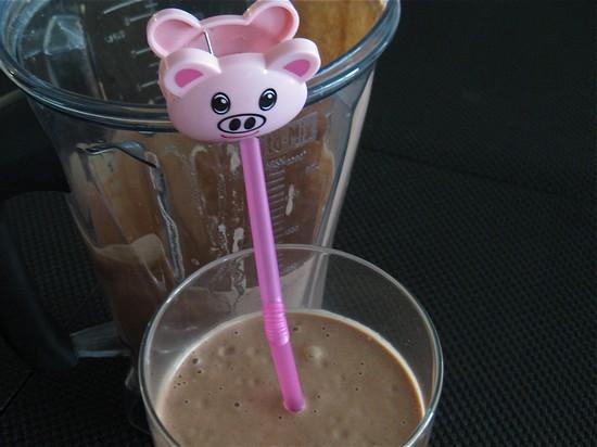 the-blender-girls-chocolate-spinach-shake