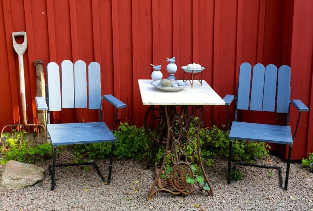 decorating garden furniture